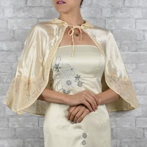 Accessories - Vintage cream satin and lace capelet formal shawl